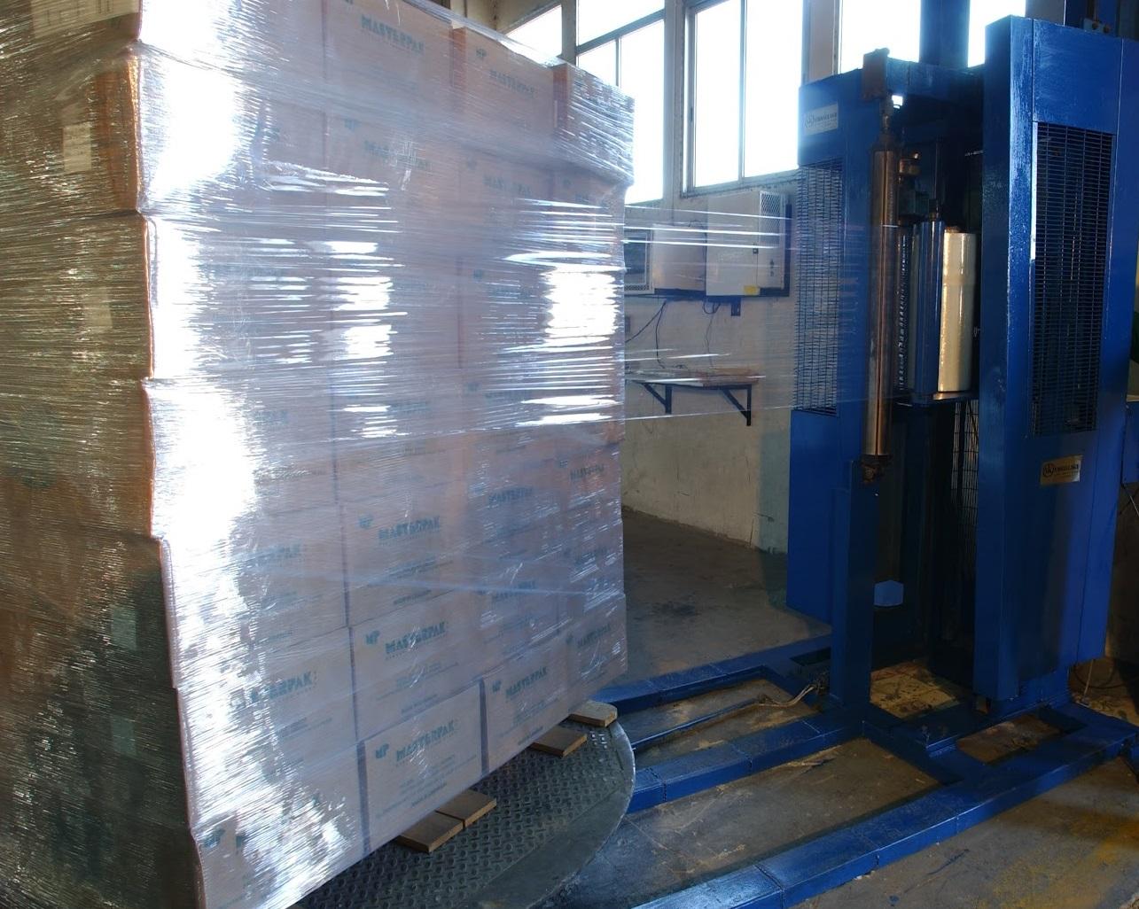 Стрейч пленка для транспортировки грузов: как выбрать упаковочный материал?